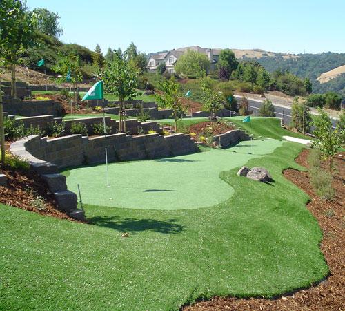 Synthetic Golf Greens & Backyard Putting Greens | East Bay